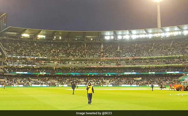 India vs Australia 2nd T20I: मेलबर्न टी20 बारिश की भेंट चढ़ा, ऑस्ट्रेलियाई पारी के बाद हुई लगातार बारिश के कारण रद्द किया गया