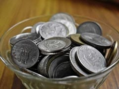 Rupee Edges Higher To 71.20 Against Dollar