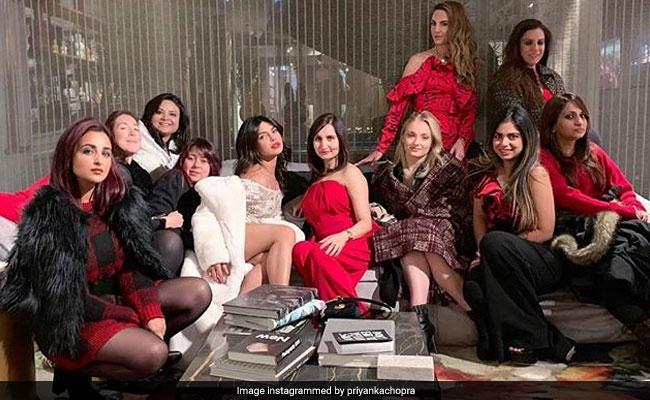 Priyanka Chopra's Bachelorette: गर्ल गैंग के साथ प्रियंका चोपड़ा ने ढाया कहर, ईशा अंबानी समेत दिखे ये सेलेब्स...