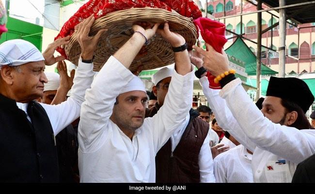 राहुल गांधी ने अजमेर दरगाह में फूल और चादर चढ़ा की जियारत, पुष्कर के ब्रह्मा मंदिर में की पूजा