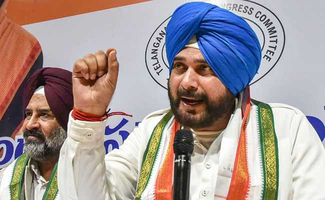 'Don't Understand Navjot Sidhu': Akali Leader's Dig Over Captain Remark