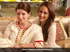 'Diwali Double <i>Dhamaka</i>': When Twinkle Khanna And BFF Gayatri Oberoi Ended Up In Identical Outfits