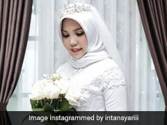 He Died In Lion Air Crash. She Went To Their Wedding Alone, Like He Asked