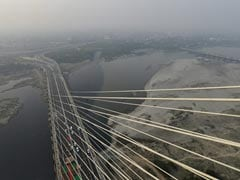 Delhi's Signature Bridge Has Selfie Spots, Glass Viewing Deck