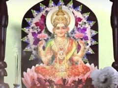 Diwali Lakshmi Puja: दीवाली के दिन इस शुभ मुहूर्त पर करें मां लक्ष्मी की आरती, देखें Video