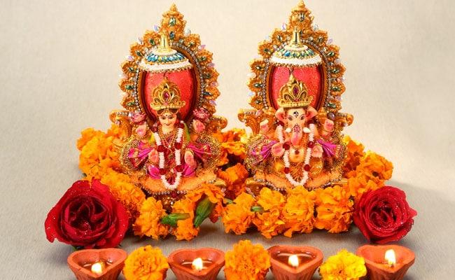 Diwali 2018: दिवाली लक्ष्मी पूजन का शुभ मुहूर्त, पूजा विधि, मान्यताएं और मां लक्ष्मी जी की आरती