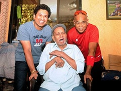Sachin Tendulkar, Vinod Kambli Seek Blessings From Coach Ramakant Achrekar