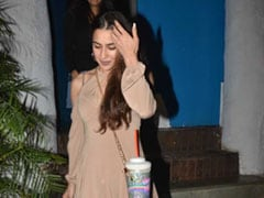 Trend Alert: 4 Quirky Bags Like Sara Ali Khan's Fun Accessory