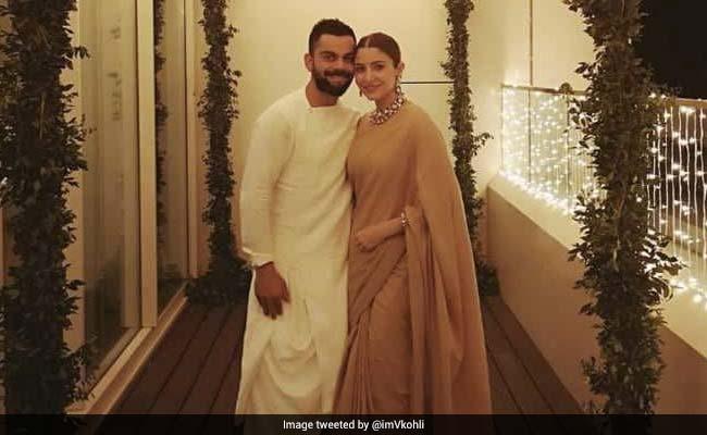 पत्नी अनुष्का शर्मा के साथ नजर आए विराट कोहली, प्रशंसकों से कहा-हैप्पी दीपावली..