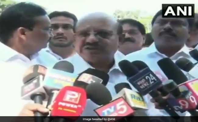नोटबंदी के बहाने कांग्रेस नेता का विवादित बयान: पीएम मोदी को जिंदा जलाने का समय आ गया है