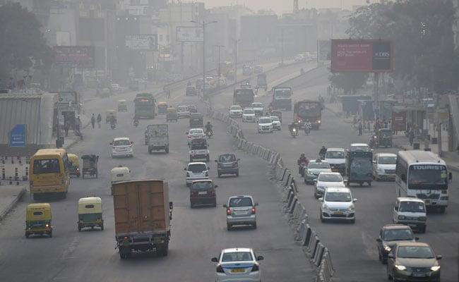 Thick Faze, Smog Persist In Delhi, Air Quality Slips To 'Hazardous'