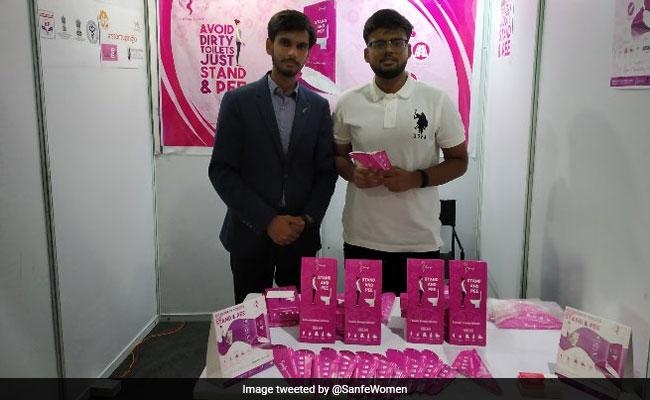 Iit-Delhi študentov darilo ženske stati in Pee Device-8093