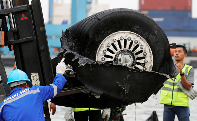 Lion Air: Sensor was replaced day before crash but problems persisted
