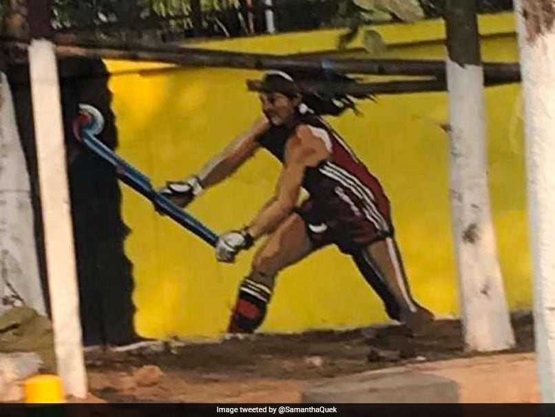 British Hockey Star In Tears After Seeing Her Painting On A Wall In Bhubaneswar