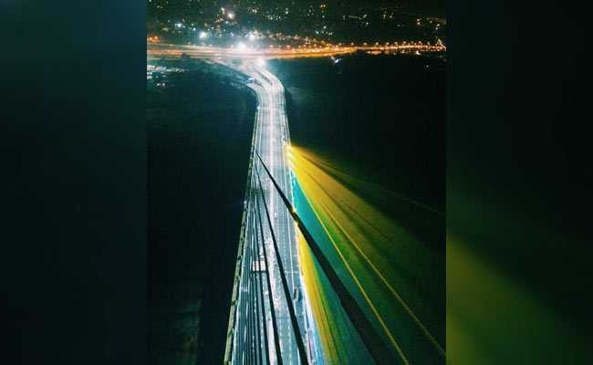 दिल्ली का सिग्नेचर ब्रिज: निर्माण में देरी से ज्यादा खूबसूरती की चर्चा