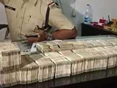 रायपुर : स्कूटर में मिले 50 लाख रुपये, वाहन चालक हिरासत में