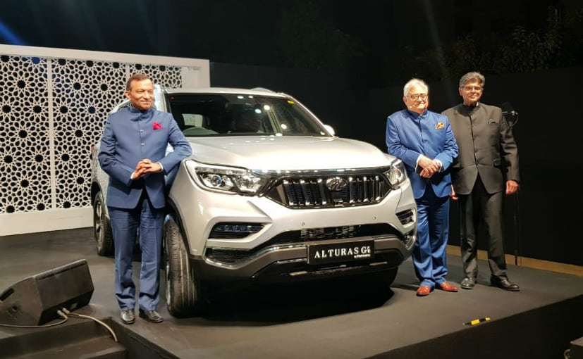 2018 Alturas G4 launched by Dr. Goenka (MD), Wadehra (President) & Nakra (Chief, Sales & Marketing)