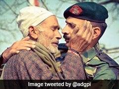 हर आंख थी नम, जब तिरंगे में लिपटकर आया शहीद का शव, आर्मी ऑफिसर ने ऐसे संभाला पिता को