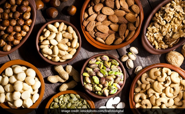 These Protein-Rich Nuts And Seeds Are A Must For Quick Weight Loss