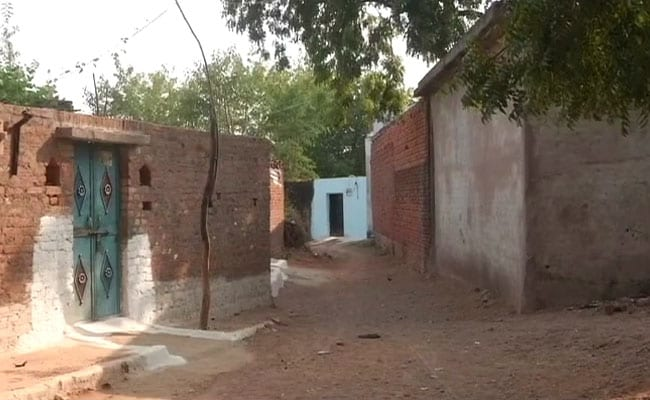 Only The Elderly And Children Remain In This Madhya Pradesh Village