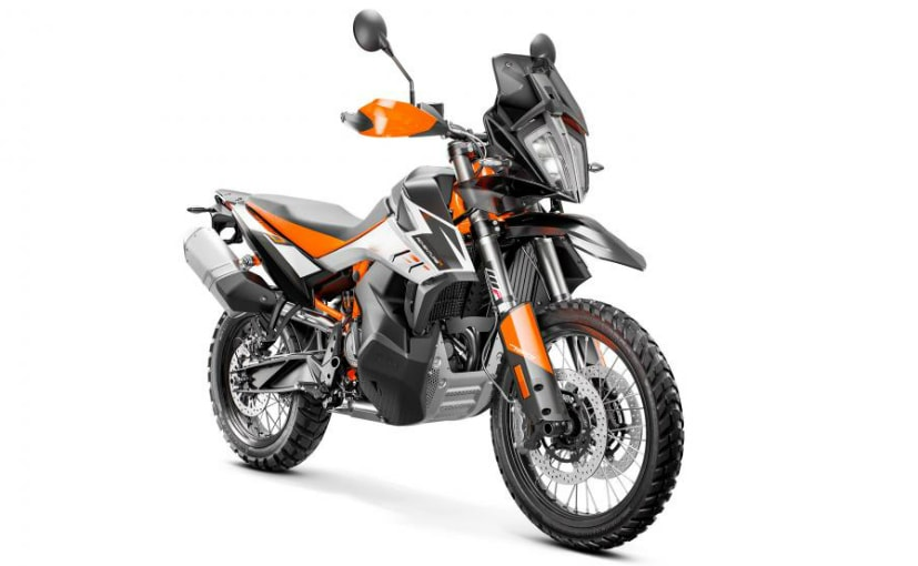 The KTM 790 Adventure has been unveiled in two variants at the EICMA 2018 show in Milan