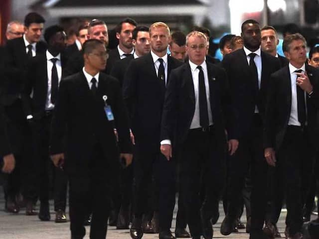 Leicester City Footballers In Bangkok To Pay Respects To Vichai Srivaddhanaprabha