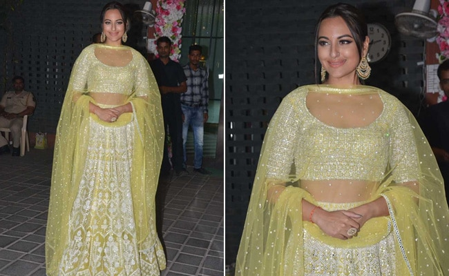3 Ethnic Earrings To Accessorize Like Sonakshi Sinha