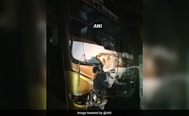3 Killed, 6 Injured In Car-Bus Collision In Maharashtra