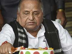 UP Government May Replace Mulayam Singh's Mercedes SUV With Toyota Prado