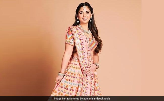 02e2e816994 Isha Ambani Wedding  When Isha Ambani
