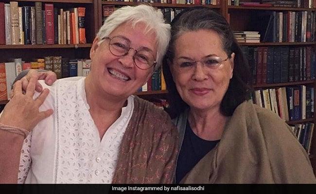 सोनाली बेंद्रे के बाद एक और एक्ट्रेस कैंसर की चपेट में, तीसरे स्टेज के जूझ रहीं नफीसा अली से मिलने पहुंचीं सोनिया गांधी