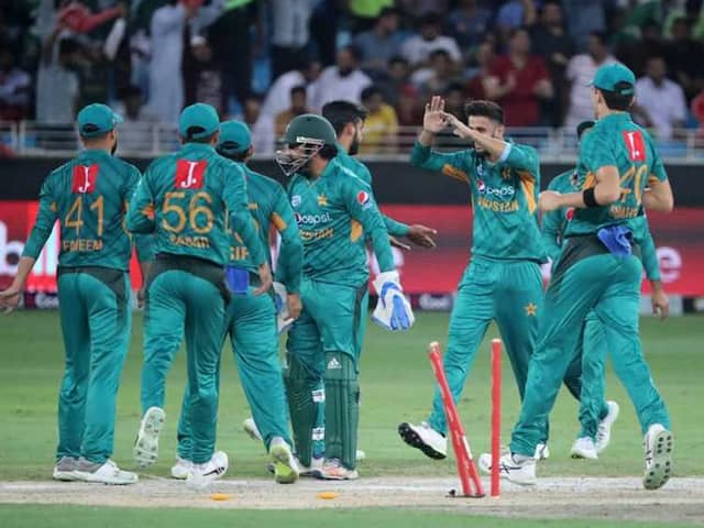 Umar Akmal, Wahab Riaz axed from probable World Cup squad