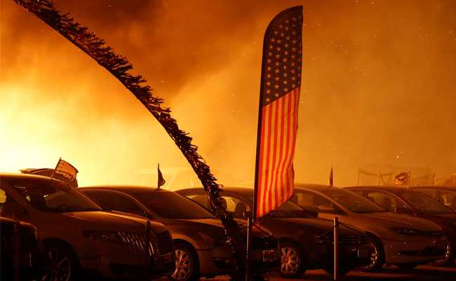 9 Dead In California Wildfire Hollywood Celebs Evacuated