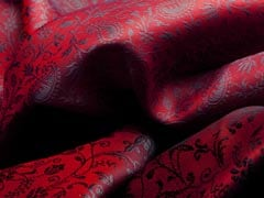 3 Pretty Red Shawls Under Rs 1,000 To Add To Your Winter Closet