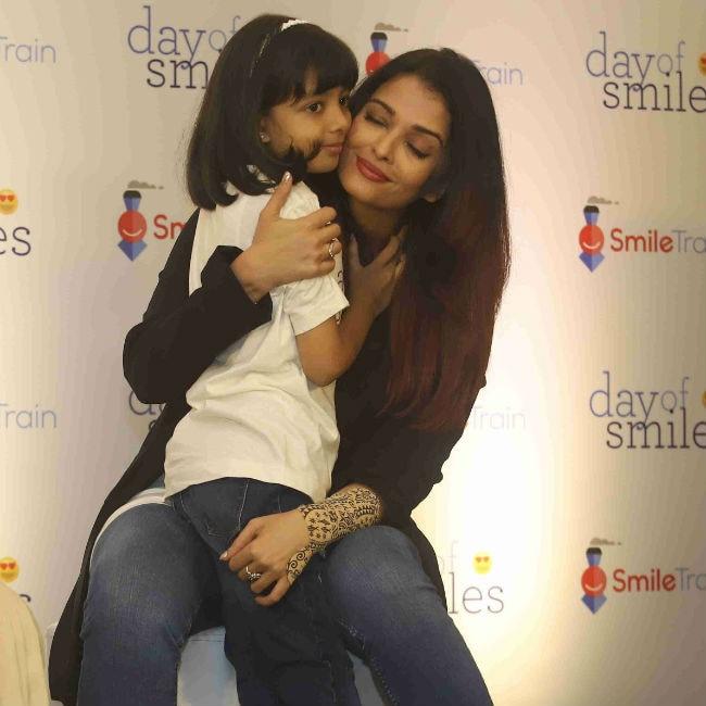 Aishwarya Rai Bachchan, Aaradhya Spread Lots Of Smiles On ...