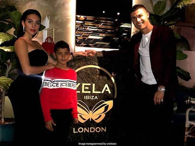 Cristiano Ronaldo Spends Rs 25 Lakh On Wine To Celebrate Daughters Birthday In London