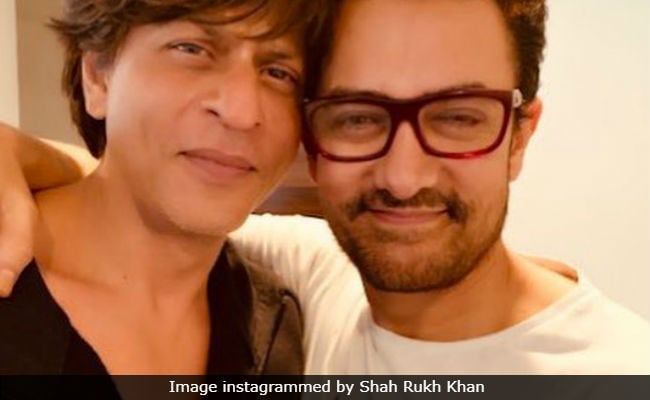 Shah Rukh Khan Gets A'Thug Hug From Aamir Khan And A Fantastic Review For Zero Trailer