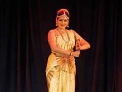 VIDEO: डांसर से कैसे आईएएस बनीं कविता रामू, जिनके ठुमकों पर झूम उठते हैं लोग