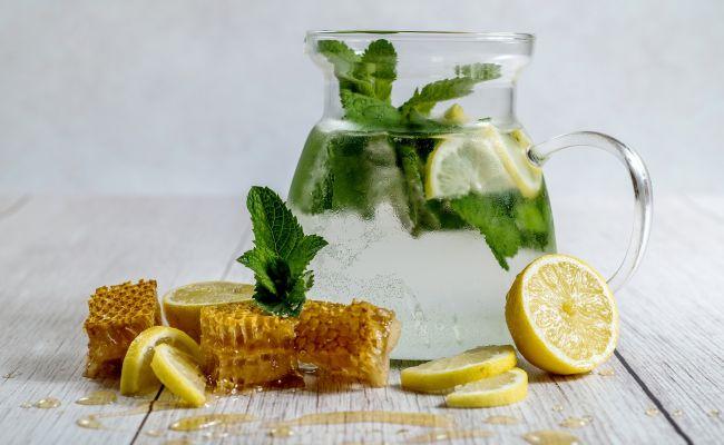 Home Remedies: सर्दी-जुकाम से बचाएंगी घर में मौजूद ये 4 चीजें...