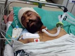 अस्पताल में जिंदगी की जंग लड़ रहा जांबाज, घाटी में पत्थरबाजों ने कर दिया था जख्मी