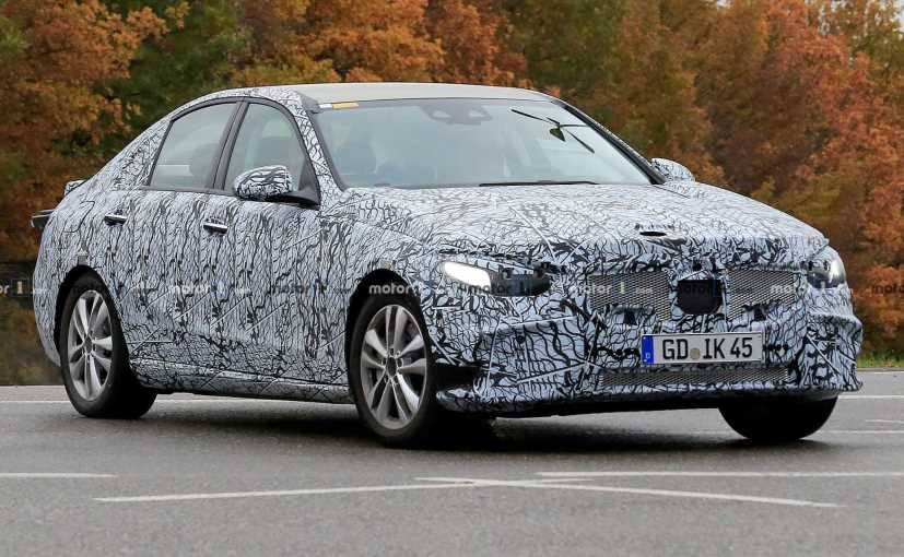 This is the first time that a prototype of the new Mercedes-Benz C-Class has been spotted