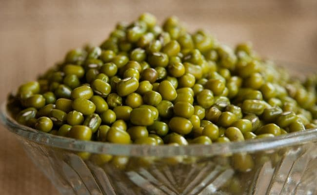Surprising  Health Benefits Of Mung Beans | How Moong Dal Reduce Weight, Body Fat | Green Moong For Blood Sugar | Mung Bean Benefits For Skin | Moong Dal Benefits In Hindi