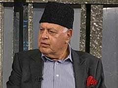 फारूक अब्दुल्ला का बड़ा आरोप: सज्जाद लोन के पिता लेकर आए 'घाटी में बंदूक'