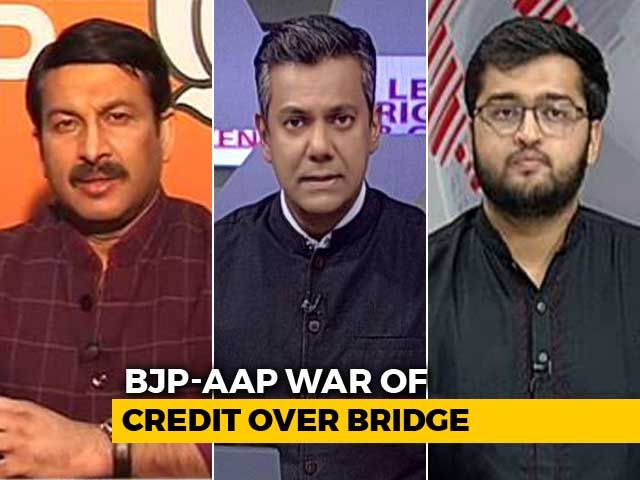 Video : Manoj Tiwari-AAP Face-Off Over Violence At Delhi Bridge Opening