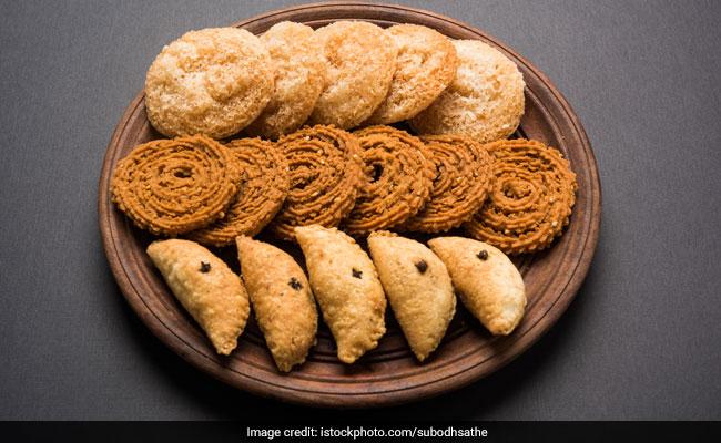 Love Diwali Delicacies Like Chakli, Kachori And Matthri? Read What Rujuta Diwekar Has To Say About Them