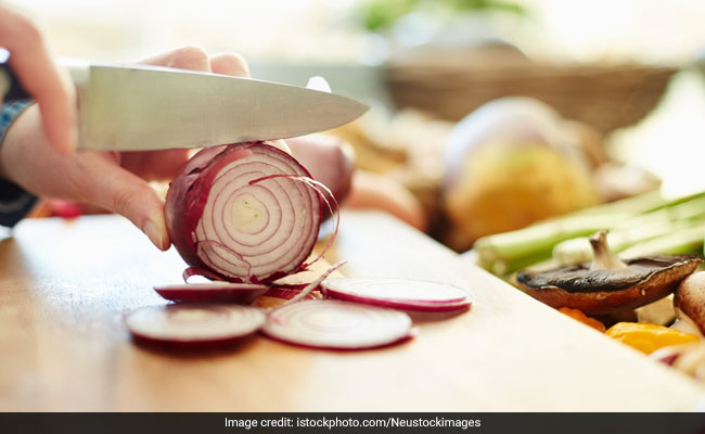 Onions For Weight Loss: 2 Best Ways To Use Onions To Shed Extra Kilos (With Recipes)