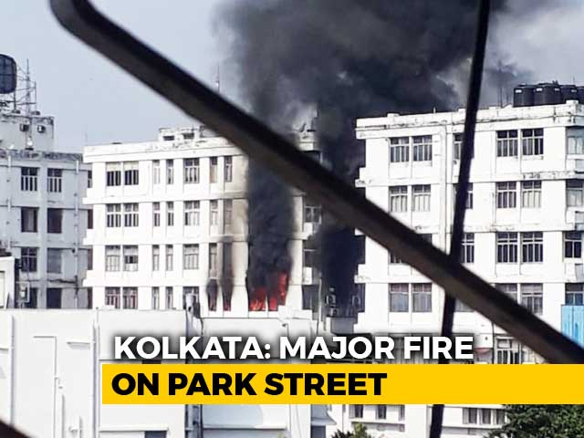 Video : Fire Breaks Out At Building Housing Offices In Kolkata's Park Street