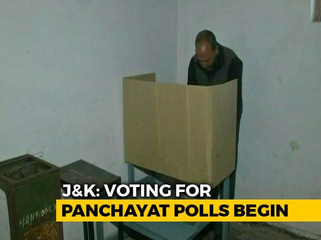 Video : Voting For First Phase Of Jammu And Kashmir Panchayat Polls Underway