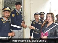पाकिस्तान में पहली ट्रांसजेंडर को मिला ड्राइविंग लाइसेंस, देखें तस्वीरें