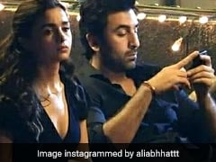 Alia Bhatt And Ranbir Kapoor's BTS Photos From The Sets Of <I>Brahmastra</I>
